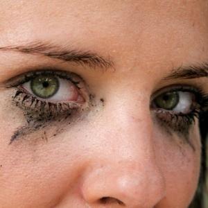 smeary eyes